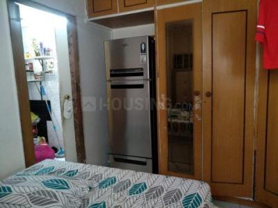 Gallery Cover Image of 400 Sq.ft 1 BHK Apartment for rent in Khar West for 40000