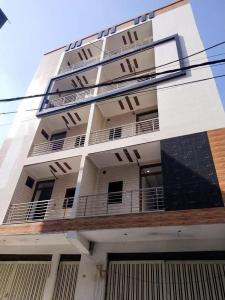 Gallery Cover Image of 1000 Sq.ft 3 BHK Independent House for buy in Dwarka Mor for 4000000