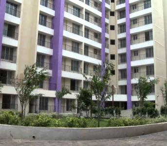 Gallery Cover Image of 500 Sq.ft 1 BHK Apartment for rent in Naigaon East for 6000