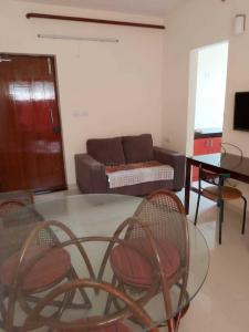 Gallery Cover Image of 650 Sq.ft 2 BHK Apartment for rent in Perumbakkam for 25000