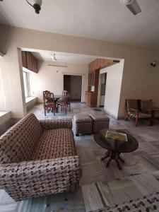 Gallery Cover Image of 1250 Sq.ft 2 BHK Apartment for rent in neeta, Katad Khana for 42000