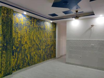 Gallery Cover Image of 900 Sq.ft 3 BHK Apartment for buy in Dwarka Mor for 4200000