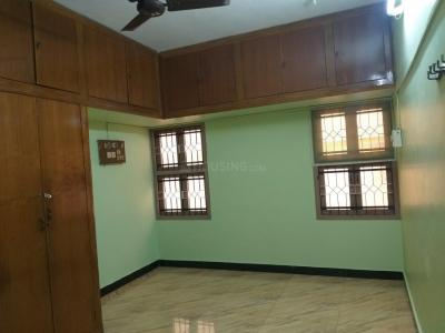 Gallery Cover Image of 1025 Sq.ft 2 BHK Apartment for buy in Mylapore for 8500000