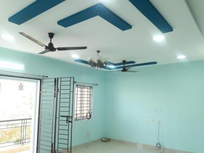 Gallery Cover Image of 1350 Sq.ft 2 BHK Apartment for rent in Velachery for 21500