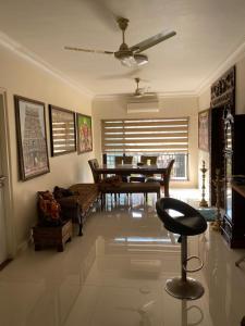 Gallery Cover Image of 2000 Sq.ft 4 BHK Apartment for buy in K Raheja Raheja Vihar, Powai for 40000000