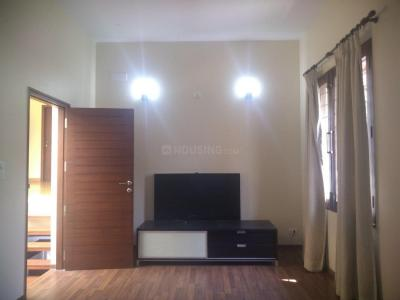 Gallery Cover Image of 3800 Sq.ft 5 BHK Villa for rent in Hennur Main Road for 82000