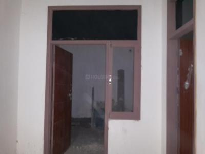 Gallery Cover Image of 800 Sq.ft 2 BHK Apartment for rent in Aya Nagar for 18000