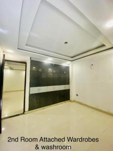 Gallery Cover Image of 1350 Sq.ft 3 BHK Apartment for buy in Sector 30 for 7967000