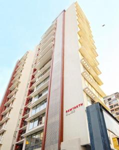 Gallery Cover Image of 1200 Sq.ft 3 BHK Apartment for rent in Samyakth BIiss, Khar West for 210000