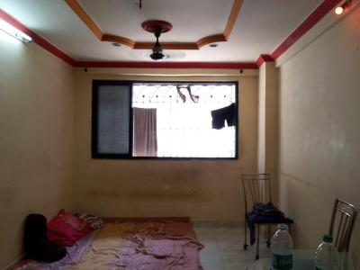 Gallery Cover Image of 350 Sq.ft 1 RK Apartment for rent in Kandivali West for 9000