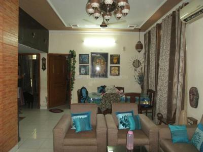 Gallery Cover Image of 1600 Sq.ft 3 BHK Apartment for buy in Vasant Kunj for 30000000