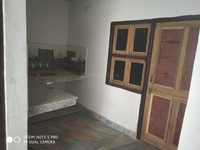 Gallery Cover Image of 600 Sq.ft 2 BHK Independent Floor for rent in Dwarka Mor for 10000