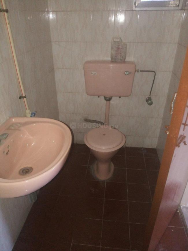 Common Bathroom Image of 1150 Sq.ft 2 BHK Apartment for rent in Ghansoli for 26000