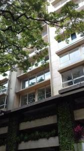 Gallery Cover Image of 2900 Sq.ft 4 BHK Apartment for rent in Santacruz West for 225000