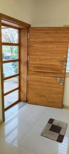 Gallery Cover Image of 2385 Sq.ft 3 BHK Villa for buy in Thaltej for 28000000