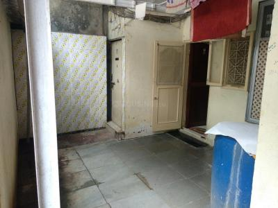 Gallery Cover Image of 680 Sq.ft 1 BHK Independent House for rent in Andheri East for 40000