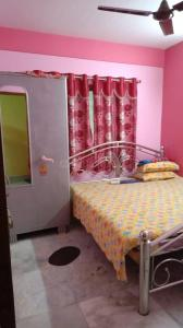 Gallery Cover Image of 150 Sq.ft 1 RK Independent Floor for rent in Ballygunge for 10000
