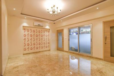 Gallery Cover Image of 2000 Sq.ft 7 BHK Independent House for rent in Kandivali West for 9000