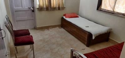 Gallery Cover Image of 500 Sq.ft 1 BHK Apartment for rent in Kandivali West for 20500
