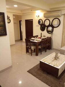 Gallery Cover Image of 1315 Sq.ft 3 BHK Apartment for rent in Sector 137 for 19000