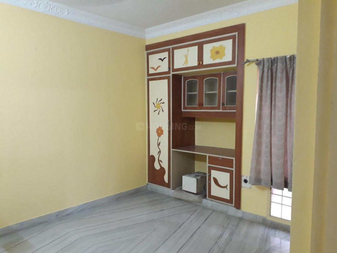 Living Room Image of 1450 Sq.ft 3 BHK Apartment for rent in Thoraipakkam for 23000