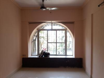 Gallery Cover Image of 650 Sq.ft 1 BHK Apartment for rent in Dahisar West for 15500