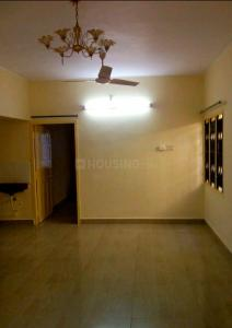 Gallery Cover Image of 970 Sq.ft 2 BHK Apartment for rent in Marutham Apartments, Thiruvanmiyur for 18000