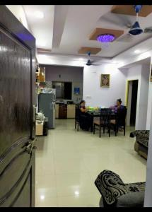 Gallery Cover Image of 800 Sq.ft 2 BHK Apartment for buy in Dwarkesh Heavens, Chandkheda for 3800000