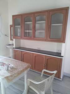 Gallery Cover Image of 1750 Sq.ft 3 BHK Apartment for rent in Madhapur for 45000