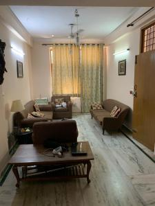 Gallery Cover Image of 5500 Sq.ft 6 BHK Independent House for buy in Sector 23 for 45000000