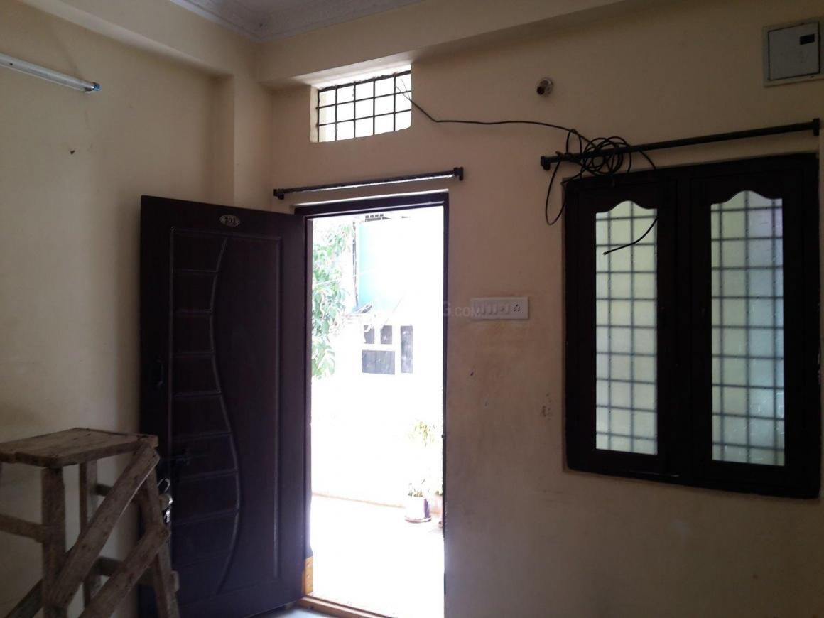 Living Room Image of 400 Sq.ft 1 BHK Apartment for rent in Erragadda for 7500