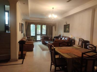 Gallery Cover Image of 1800 Sq.ft 2 BHK Independent Floor for rent in Nizamuddin East for 85000