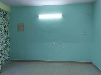 Gallery Cover Image of 680 Sq.ft 2 BHK Apartment for rent in Alandur for 9000