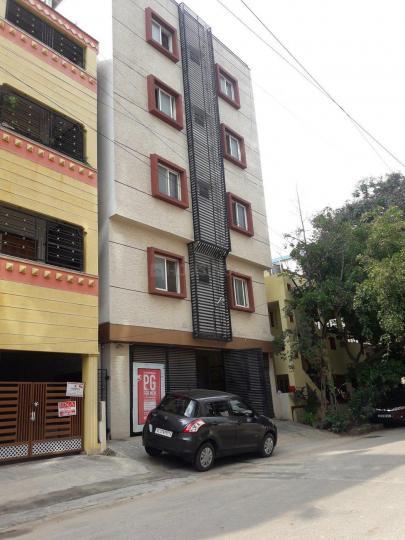 एचबीआर लेआउट में श्री वेंकटेशवरा  पीजी में बिल्डिंग की तस्वीर