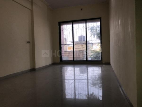 Living Room Image of 530 Sq.ft 1 BHK Apartment for rent in Kandivali West for 17500