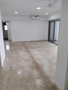 Gallery Cover Image of 2195 Sq.ft 3 BHK Apartment for rent in Goregaon East for 100000