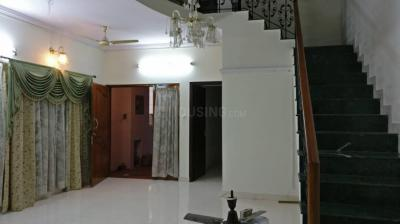 Gallery Cover Image of 2400 Sq.ft 3 BHK Independent House for rent in Cooke Town for 40000