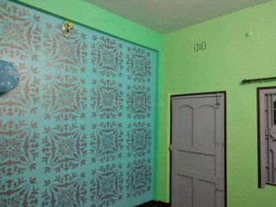 Gallery Cover Image of 900 Sq.ft 2 BHK Independent Floor for rent in Dum Dum Cantonment for 8000