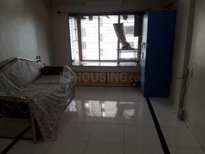 Gallery Cover Image of 650 Sq.ft 1 BHK Apartment for rent in Kandivali West for 23000