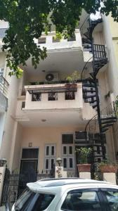Gallery Cover Image of 600 Sq.ft 3 BHK Independent House for buy in Sushant Lok I for 12000000