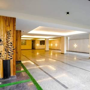 Gallery Cover Image of 1450 Sq.ft 3 BHK Apartment for buy in Sector 57 for 13500000