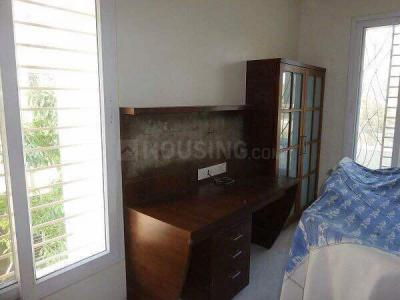 Gallery Cover Image of 650 Sq.ft 2 BHK Apartment for rent in Shivaji Nagar for 24000