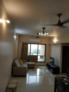 Gallery Cover Image of 1050 Sq.ft 2 BHK Apartment for rent in Prabhadevi for 85000