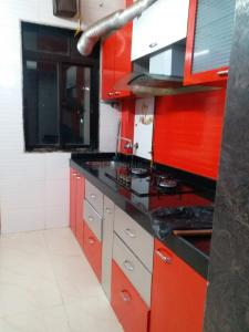 Gallery Cover Image of 600 Sq.ft 1 BHK Apartment for buy in Kasarvadavali, Thane West for 5500000