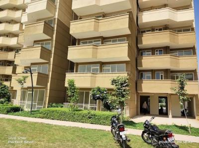 Gallery Cover Image of 750 Sq.ft 2 BHK Apartment for rent in Pyramid Altia, Sector 70A for 13000