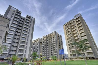Gallery Cover Image of 2905 Sq.ft 4 BHK Apartment for rent in Bopal for 37500