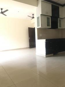 Gallery Cover Image of 1105 Sq.ft 2 BHK Apartment for rent in Panchsheel Panchseel Green 2, Noida Extension for 8500