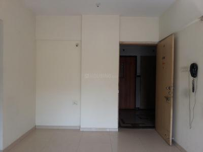 Gallery Cover Image of 670 Sq.ft 1 BHK Apartment for rent in Kandivali East for 18000