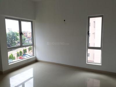 Gallery Cover Image of 1300 Sq.ft 3 BHK Apartment for rent in PS Equinox, Tangra for 27000