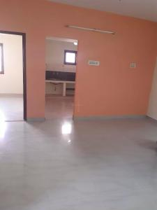Gallery Cover Image of 1115 Sq.ft 2 BHK Apartment for rent in Velachery for 15000